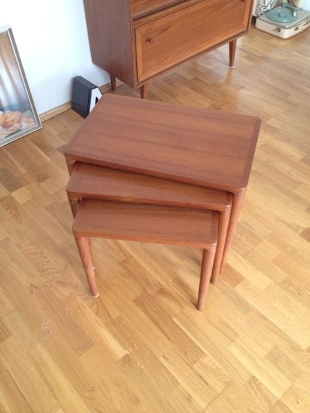 Holz GartenmObel Zu Verschenken ~   Nesting Tables 3er Holz mit Metallgestell – zu verschenken