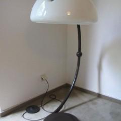 Martinelli Luce Elio Martinelli Serpente 60er Bogenlampe Stehleuchte