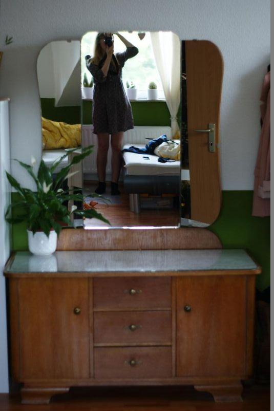 spiegelbild schminktisch ebay kleinanzeigen mit stil ebay kleinanzeigen mit stil. Black Bedroom Furniture Sets. Home Design Ideas