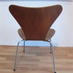 Fritz Hansen Arne Jacobsen Stuhl 3107 Serie 7 Teak Vintage Designklassiker