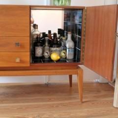 Spiegelbild – leckeres Gin-Sideboard