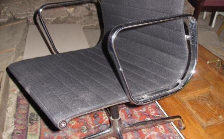 Vitra Herman Miller Charles & Ray Eames Alu Chair EA 108 schwarz